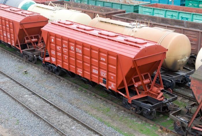 Залізницею перевезено майже 230 млн тонн вантажів за дев'ять місяців 2021 року