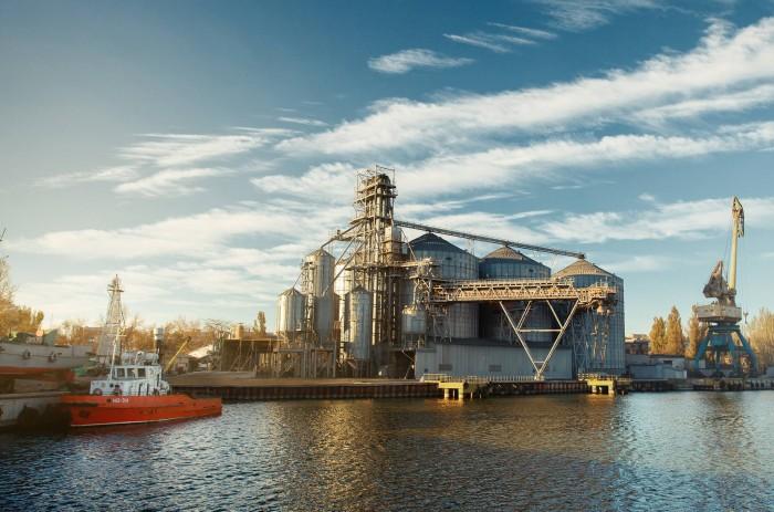 """Терминал """"УкрТрансАгро"""" отгрузил на экспорт 440 тыс. тонн агропродукции в 2018/2019 маркетинговом году"""