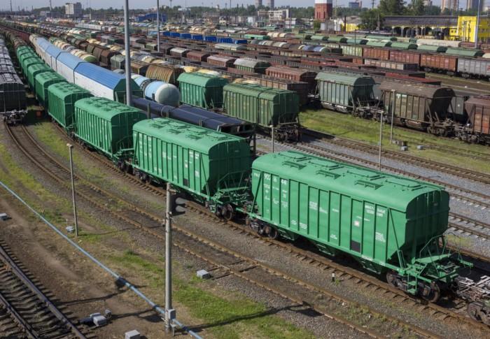 """В """"Укрзализныце"""" не могут найти виновных в несвоевременной доставке грузов"""