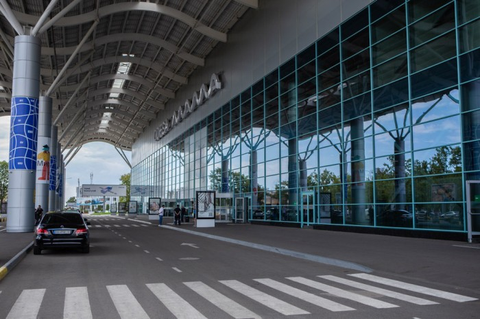 В аеропорту Одеса в 2022 році почне роботу вантажний термінал