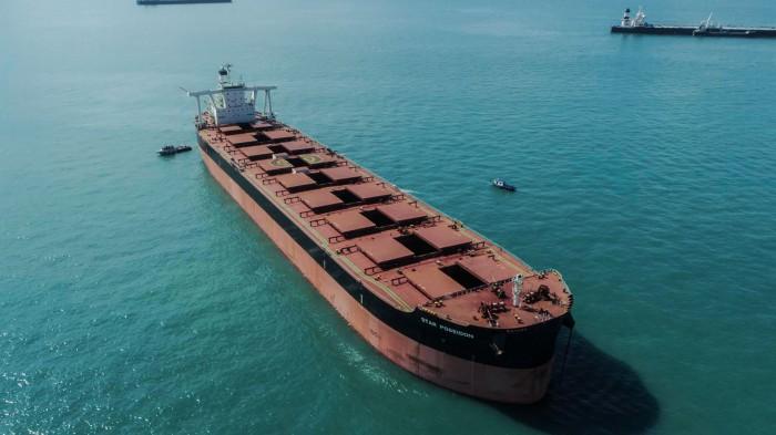 Балкеры начнут перевозить контейнеры из-за нехватки контейнеровозов