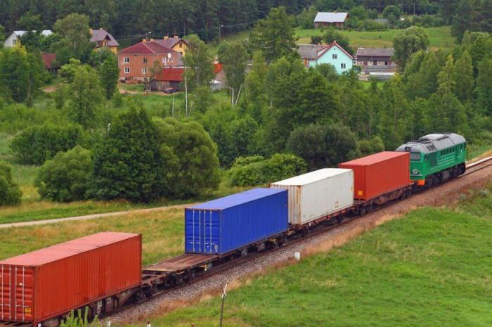 """""""Укрзализныця"""" может создать отдельного оператора контейнерных перевозок"""