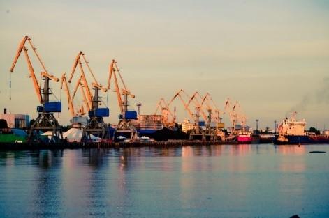 Украина может передать в концессию порты Черноморск и Бердянск, - Зеленский